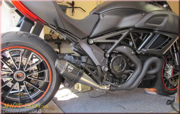 st105 shift-tech diavel slip-on kit type 1 - shift-tech carbon